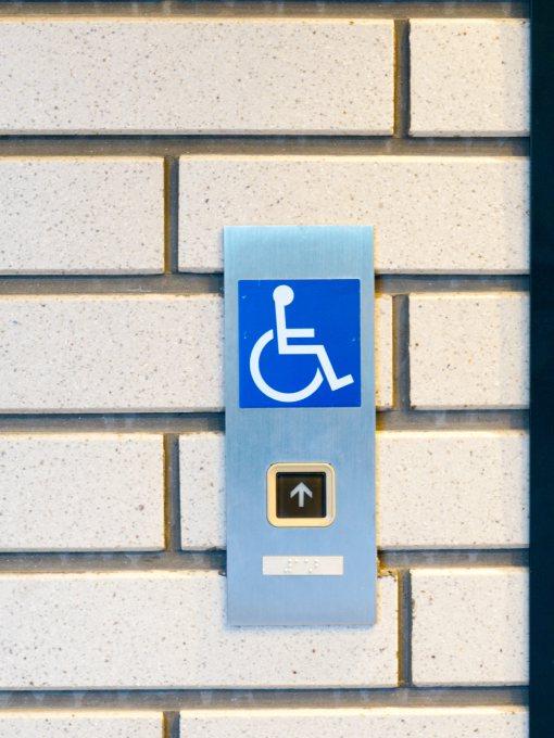 Manutenção de equipamentos para acessibilidade de deficientes físicos - Santa Marta Elevadores